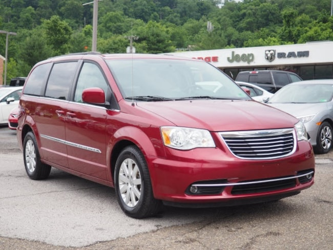 Used 2016 Chrysler Town & Country Touring Minivan/Van for sale in Wheeling, WV near St. Clairsville OH