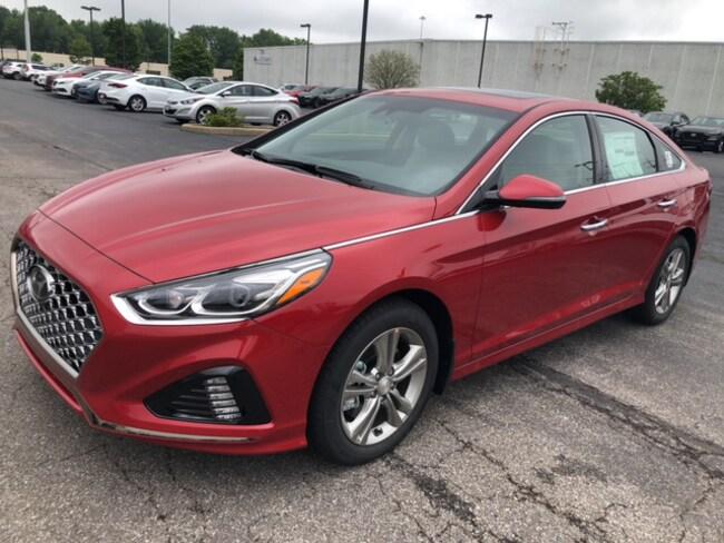 2019 Hyundai Sonata Limited Sedan in Elyria, OH