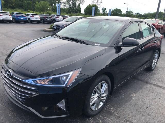 2020 Hyundai Elantra SEL Sedan near Cleveland, OH