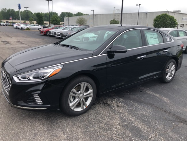 2019 Hyundai Sonata Limited Sedan in Elyria, OH