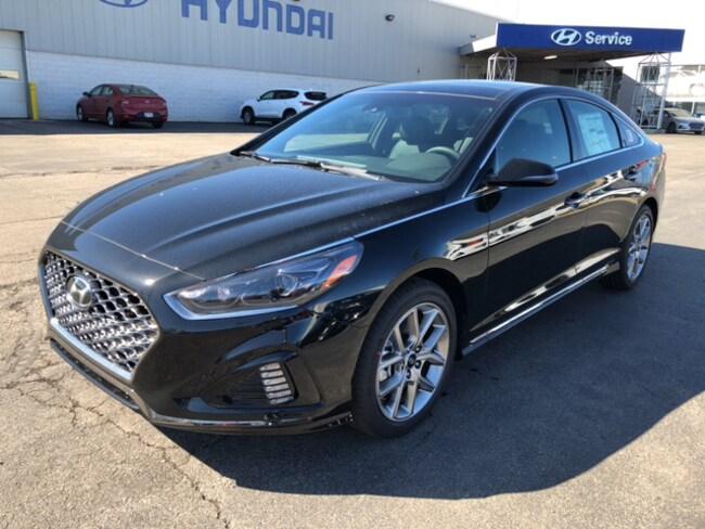 2019 Hyundai Sonata Limited 2.0T Sedan in Elyria, OH