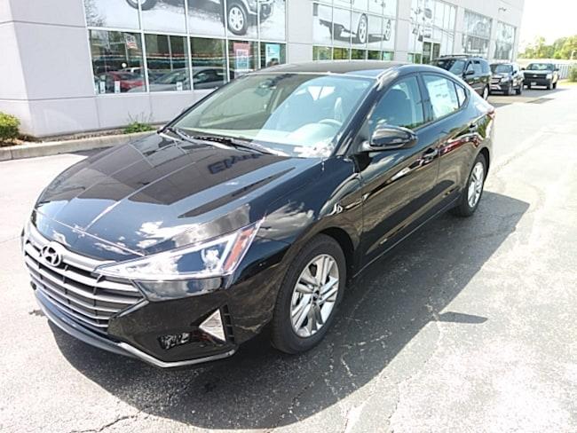 2020 Hyundai Elantra SEL Sedan in Elyria, OH