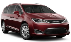New 2019 Chrysler Pacifica TOURING L Passenger Van in Springville, NY