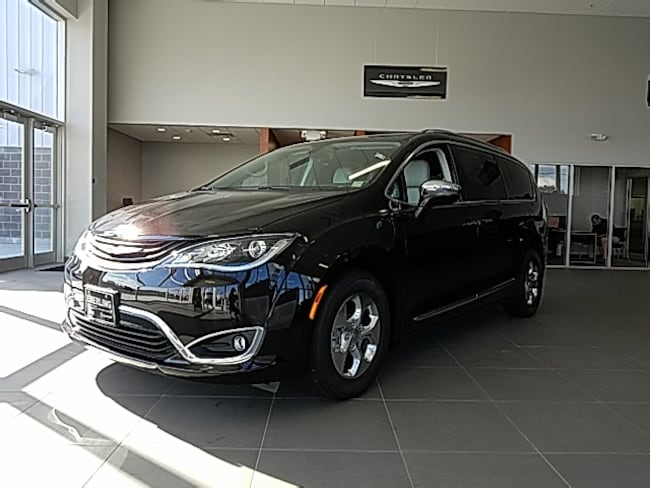 New 2018 Chrysler Pacifica Hybrid LIMITED Passenger Van in Springville, NY