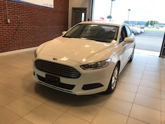 2016 Ford Fusion SE Sedan 3FA6P0H76GR236871