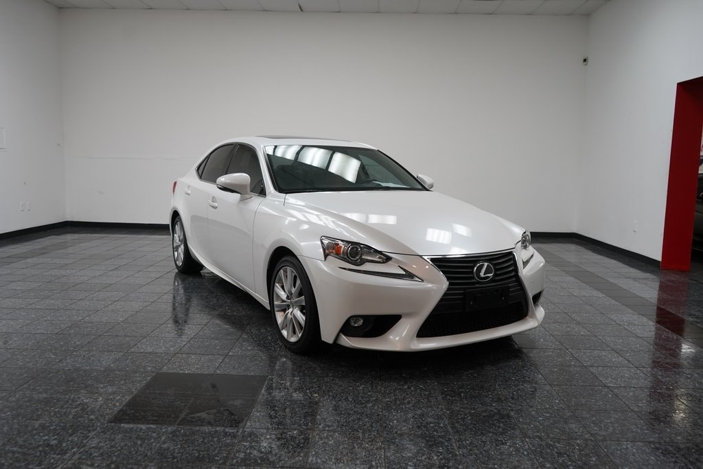 Eminent White Pearl 2016 LEXUS IS 200t *BLUETOOTH|SUNROOF