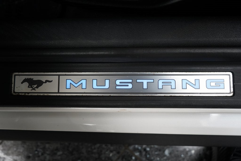 White Platinum Metallic Tri-Coat 2017 Ford Mustang GT For Sale