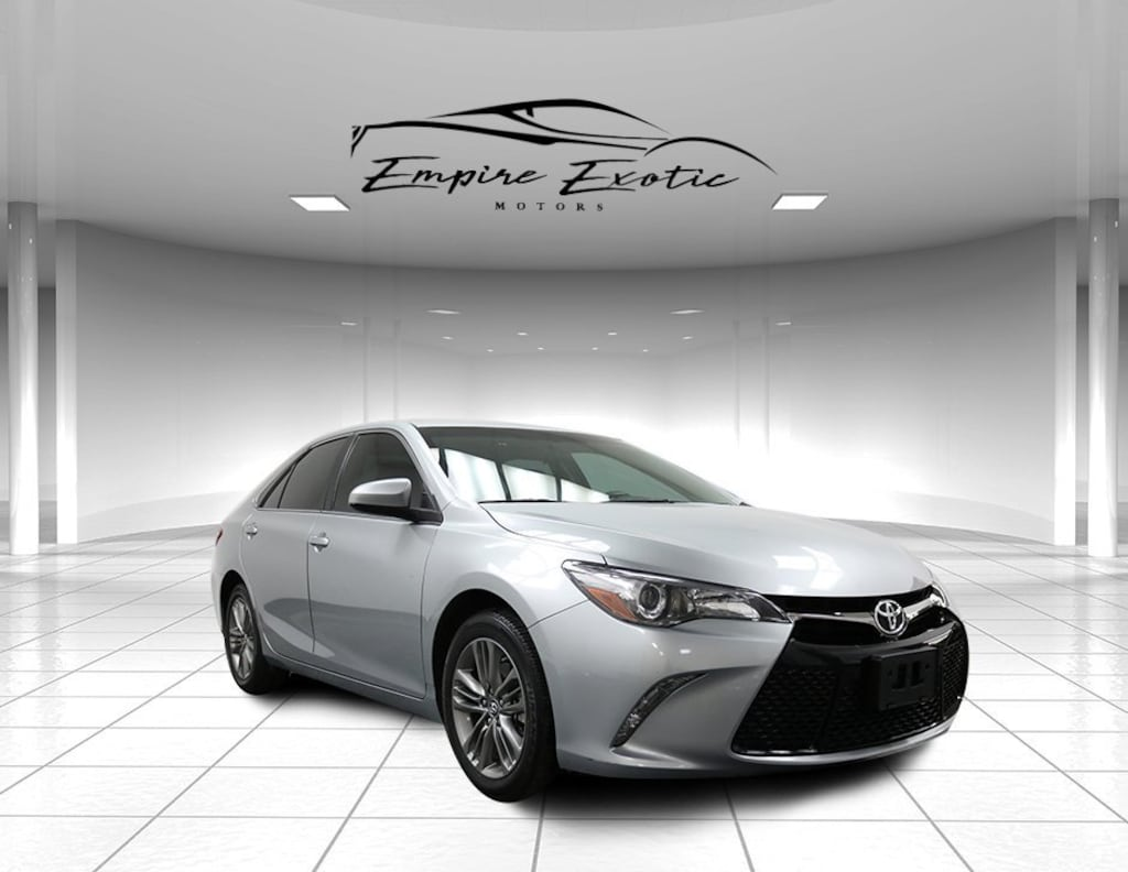 Celestial Silver Metallic 2016 Toyota Camry SE *MOONROOF PACKAGE