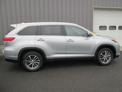 Used 2019 Toyota Highlander XLE V6 SUV in Oneonta