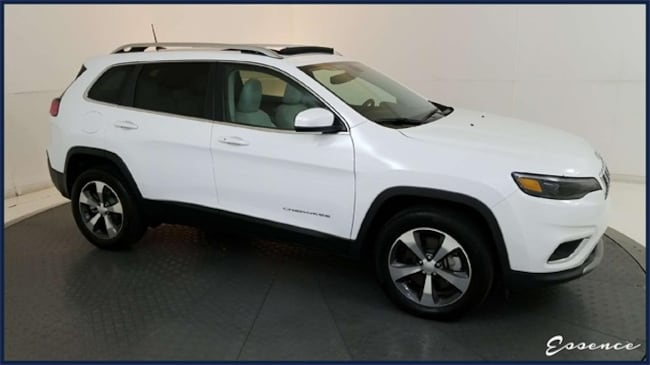 Used 2019 Jeep Cherokee   LIMITED 4X4   PANO ROOF   CAM   SAT   PARKSENSE  SUV in the Dallas Area