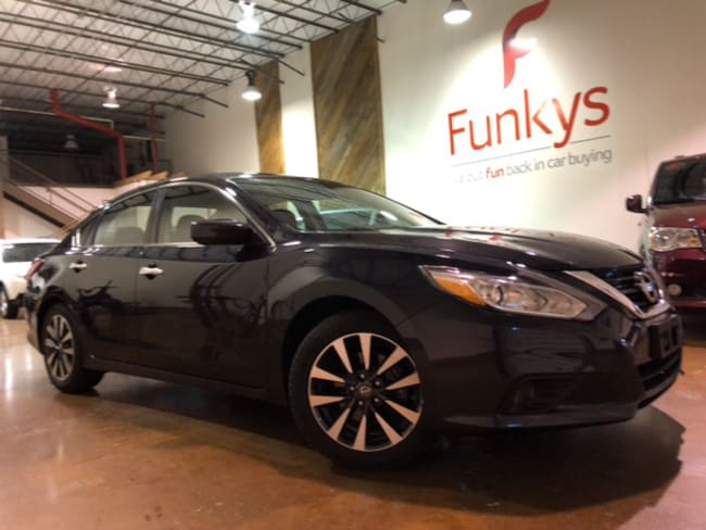 Used 2017 Nissan Altima 2.5 SV Sedan For Sale Grove City, OH