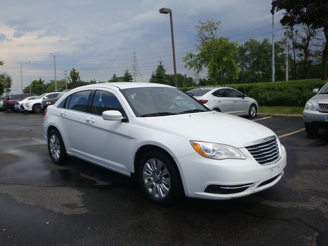 2013 Chrysler 200 2013 Chrysler 200 - 4dr Sdn LX Sedan