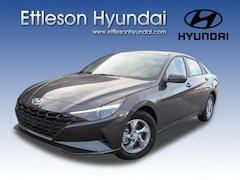 New 2021 Hyundai Elantra SE Sedan near Chicago, IL