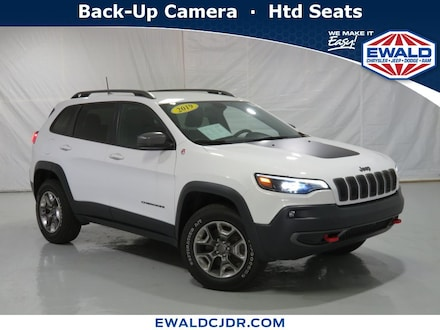 2019 Jeep Cherokee Trailhawk 4WD Sport Utility Vehicles