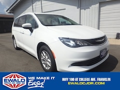 2017 Chrysler Pacifica LX 2WD Minivans
