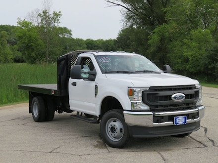 2021 Ford Super Duty F-350 DRW Chassis C XL 4WD Light Duty Chassis Cab Trucks