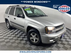2005 Chevrolet Trailblazer LS 4WD Sport Utility Vehicles