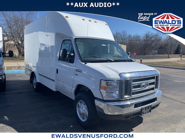 2019 Ford E-Series Cutaway E-350 SRW 138 WB 2WD Light Duty ChassisCab Trucks