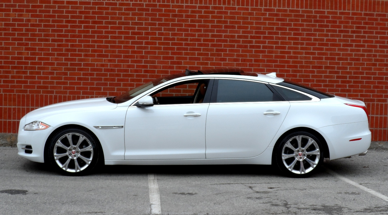 ... 2014 Jaguar XJ XJL 3.0L Portfolio, Adaptive Cruise, Massage Seat Sedan  ...