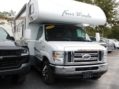 2011 Thor Four Winds 27' Motor Home Truck