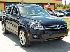 2013 Volkswagen Tiguan SE 4MOTION w/Sunroof & Navigation SUV