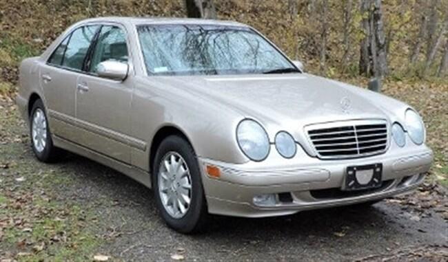2001 Mercedes-Benz E-Class 4Matic: Fully Loaded/Sunroof/Leather/Heated Seats Sedan