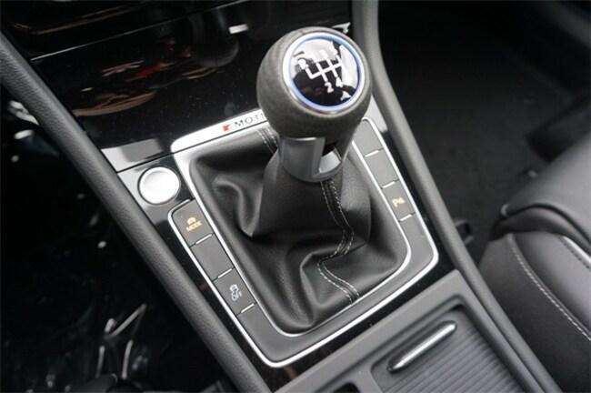 Brand New 2019 Volkswagen Golf R DCC & Navigation 4motion Hatchback