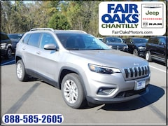 New 2019 Jeep Cherokee LATITUDE FWD Sport Utility 1C4PJLCB8KD308457 in Chantilly, VA