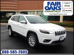 New 2019 Jeep Cherokee LATITUDE FWD Sport Utility 1C4PJLCBXKD308458 in Chantilly, VA