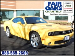 New 2018 Dodge Challenger SXT Coupe 2C3CDZAG0JH271031 in Chantilly, VA