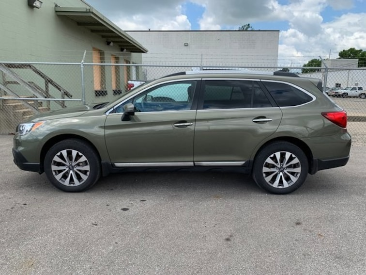Used 2017 Subaru Outback 2.5i SUV in Indianapolis