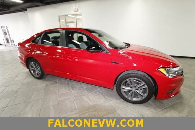 New 2019 Volkswagen Jetta 1.4T R-Line w/ULEV Sedan in Indianapolis