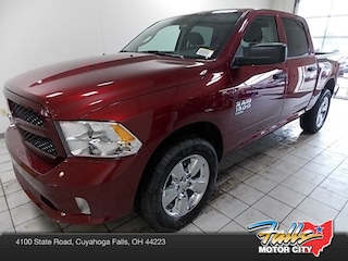 New 2019 Ram 1500 CLASSIC EXPRESS CREW CAB 4X4 5'7 BOX Crew Cab 1C6RR7KG1KS577750 for Sale in Cuyahoga Falls, OH