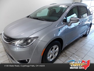 New 2019 Chrysler Pacifica Hybrid TOURING L Passenger Van 2C4RC1L78KR508979 for Sale in Cuyahoga Falls, OH