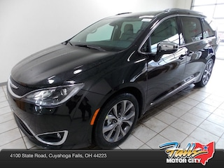 New 2019 Chrysler Pacifica LIMITED Passenger Van 2C4RC1GG2KR705530 for Sale in Cuyahoga Falls, OH
