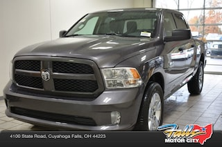 New 2019 Ram 1500 CLASSIC EXPRESS CREW CAB 4X4 5'7 BOX Crew Cab 1C6RR7KG3KS577748 for Sale in Cuyahoga Falls, OH