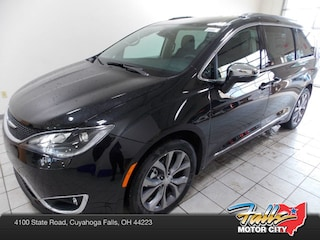 New 2019 Chrysler Pacifica LIMITED Passenger Van 2C4RC1GG2KR574910 for Sale in Cuyahoga Falls, OH