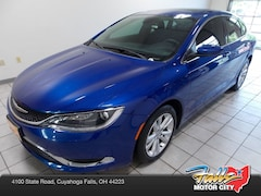 Certified Pre-Owned 2015 Chrysler 200 Limited Sedan for sale in Cuyahoga Falls, OH