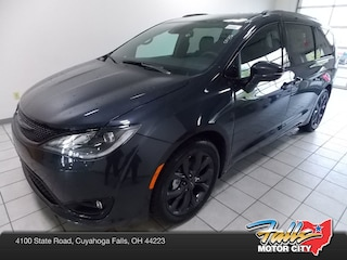 New 2019 Chrysler Pacifica LIMITED Passenger Van 2C4RC1GG5KR700242 for Sale in Cuyahoga Falls, OH