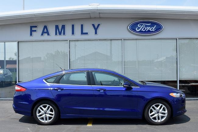 2016 Ford Fusion SE Car