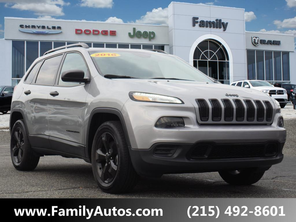 Used 2016 Jeep Cherokee Sport SUV for sale in Philadelphia, PA