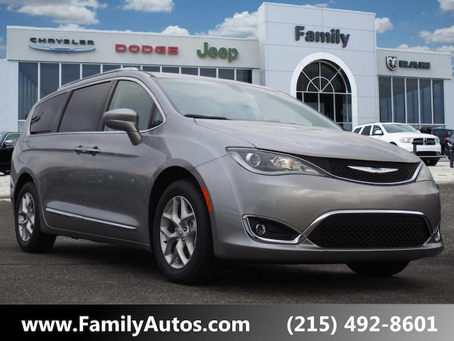 New 2019 Chrysler Pacifica TOURING L PLUS Passenger Van for sale in Philadelphia, PA