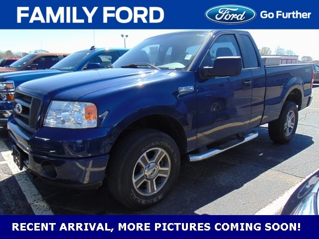 2008 Ford F-150 STX Regular Cab Pickup - Short Bed