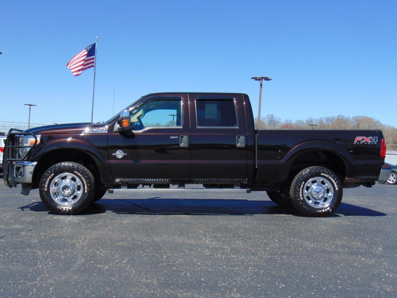 2014 Ford Super Duty F-350 SRW XLT Crew Cab Pickup - Standard Bed