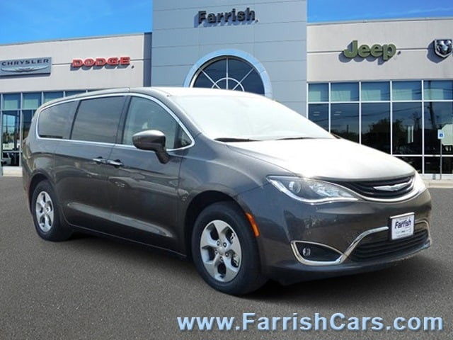 New 2018 Chrysler Pacifica Hybrid TOURING PLUS crystal metallic exterior black interior 0 miles