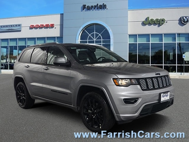New 2019 Jeep Grand Cherokee ALTITUDE 4X4 billet silver metallic exterior blac