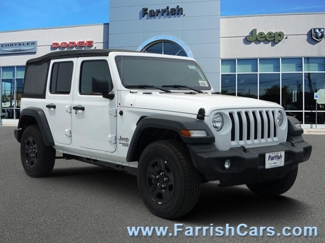 New 2018 Jeep Wrangler UNLIMITED SPORT 4X4 bright white clearcoat exterior tan
