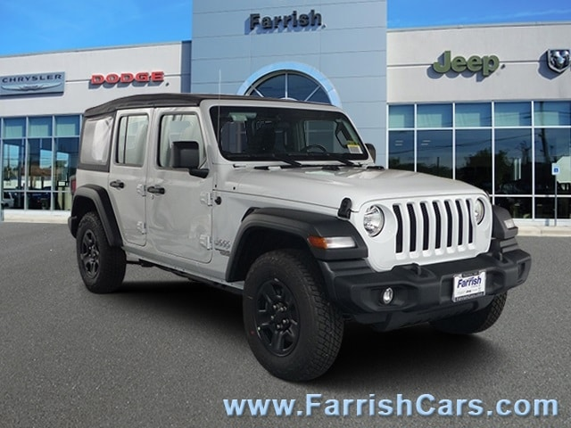 New 2018 Jeep Wrangler UNLIMITED SPORT 4X4 bright white clearcoat exterior black interior Stock