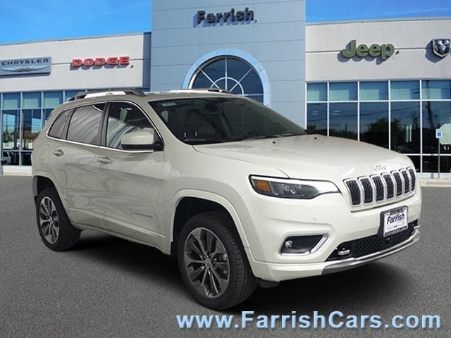 New 2019 Jeep Cherokee OVERLAND 4X4 pearl white exterior black interior Stock 33141 VIN 1C4PJM