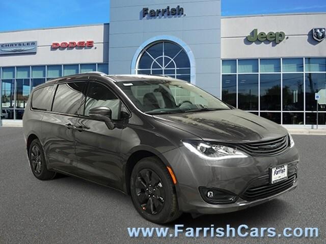 New 2019 Chrysler Pacifica Hybrid LIMITED crystal metallic exterior blackblackblack interior 0